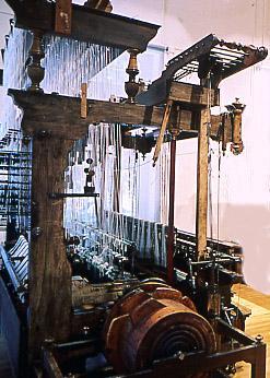 Métier à tisser les rubans velours double pièce, à  tambour Saint-Etienne, fabricant : Fourbon, 1er quart  20ème siècle