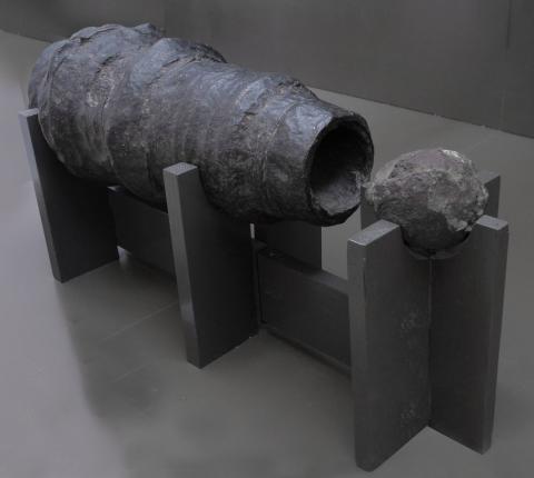 Bombarde : arme de siège des XIVe et XVe siècles fabriquée en France