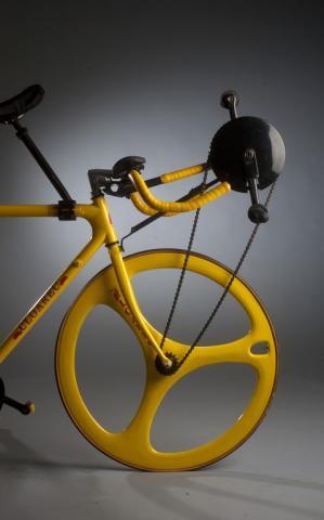Prototype de vélo à double pédalage Concepteur: Raymond Cloarec, France, 1993